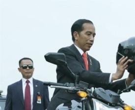 [스포츠 타타라타] '오토바이 타는 대통령'에 숨겨진 사연