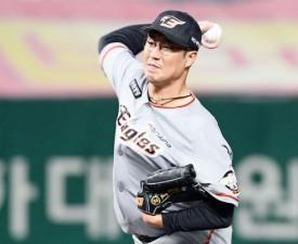 [프로야구] '비룡킬러 장민재 역투' 한화, SK에 꺾고 2위 자리 압박