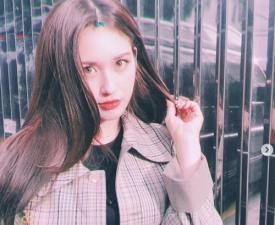 '정식 데뷔전부터 스케일이 어마어마' 전소미, 계약설만으로도…