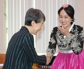 김수민 의원, 파격적인 의상에 담긴 깊은 뜻...누가 제안했나?