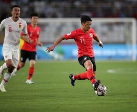 [아시안컵] 황희찬 '깔끔한 선제골', 전반 1-0 한국 리드