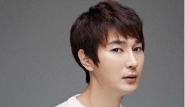 조성윤, 5월 윤소이와 웨딩마치…선후배에서 부부된다