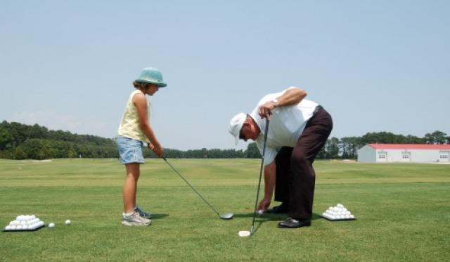 <골프상식 백과사전 53> 시즌 맞이 패밀리골프? 아이에게 골프를 가르치려면