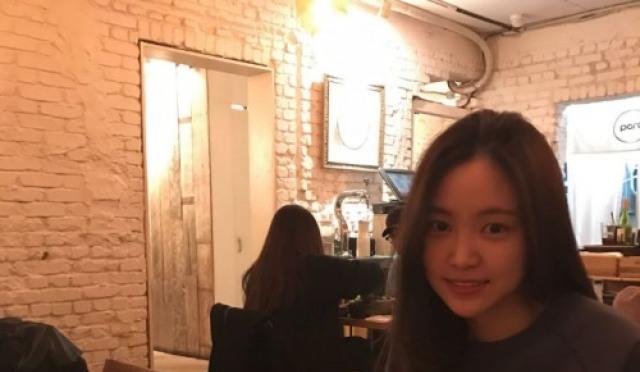 [스낵뉴스] 손나은, 수수한 패션임에도 빛나는 미모…'먹성도 완벽?'