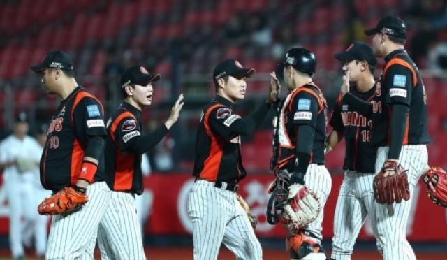 [프로야구] 롯데, KIA에 4-3 신승