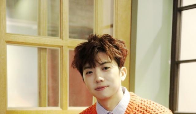 """[인터;뷰] 2PM 장우영 """"살고 싶어서, 최백호 선배님 찾아갔죠"""""""
