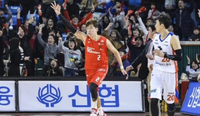 '최준용 쐐기 3점' SK, 전자랜드 꺾고 3연승