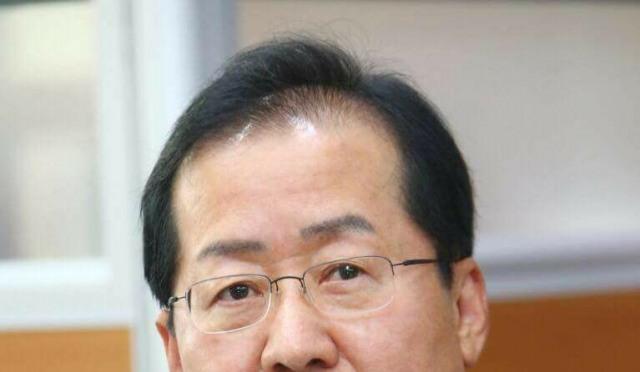 """'대한항공 압수수색' 홍준표 """"물컵 하나 던졌다고 득달같이…"""""""
