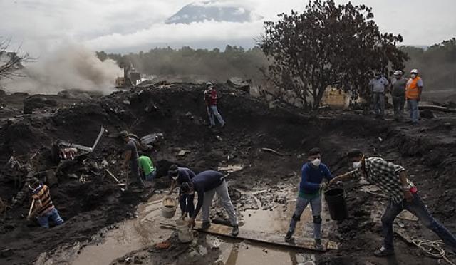 과테말라 화산폭발, 탐색은 끝...더이상 현장에 머무를 수 없는 까닭