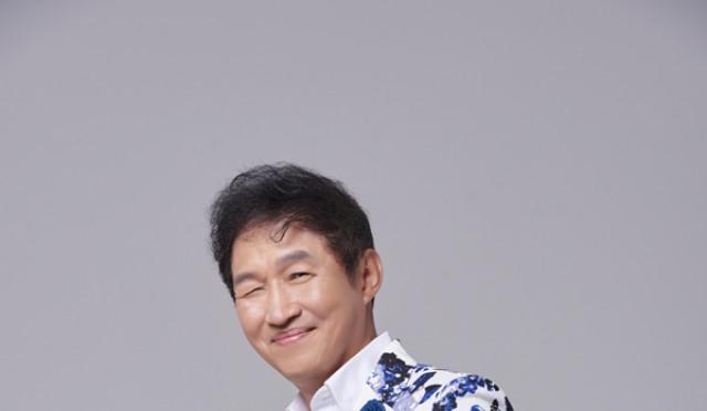 '레전드' 김범룡, 12년 만에 컴백…절절한 감성 '아내'와 록앤롤 '나는 로마로 간다' 공개