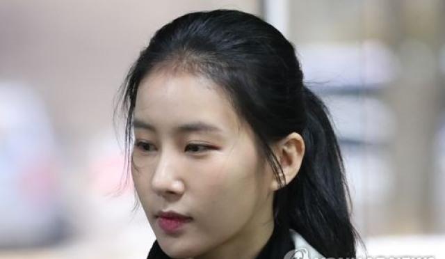 """法, 김정민 前연인에 징역 1년 집행유예 2년 선고 """"공갈 내용 저질스럽다"""""""