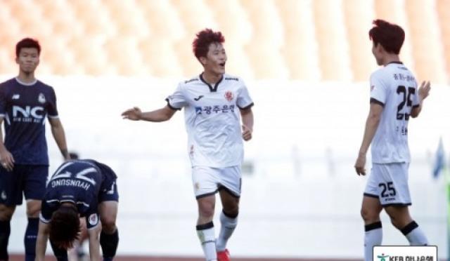 [축구] 생애 첫 태극마크의 주인공, 나상호-이유현-김정민