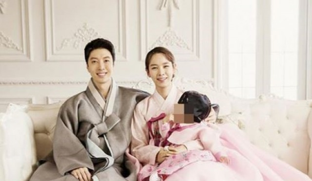 조윤희 이동건 딸, 두 살배기 입을 상처 vs '어긋난 잣대' 다른 스타 울린다?