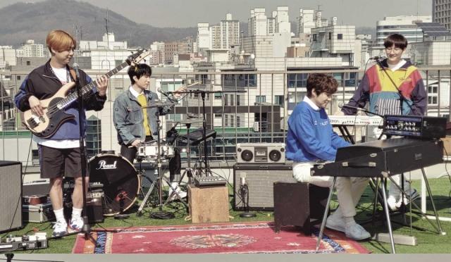 딕펑스, 4월 신곡 발표 결정…뮤직비디오 촬영 현장 공개