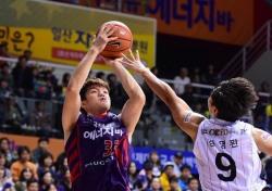 진격의 오리온스, 개막 4연승  '이승현 18점 특급 활약'