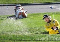 [포토뉴스] 박소연, '높은 탄도로 벙커탈출 OK'