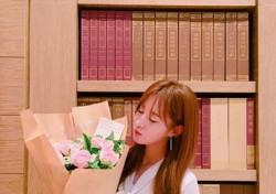 소녀시대 9주년, 유리 근황 보니…여리여리한 몸매 '시선 강탈'