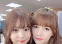 """여자친구 예린·엄지 """"생일에도 얼굴이 열일"""""""