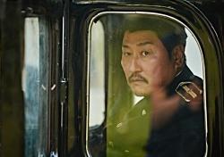 송강호, '1억 배우' 등극…22편으로 만들어 낸 숫자