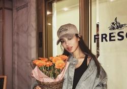 [스낵뉴스] 김희정, 할로윈데이 인증샷..가려도 '섹시미'는 여전
