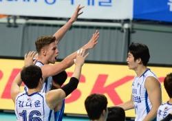 [V리그] '타이스 폭격' 삼성화재, OK저축은행에 3-0 완승
