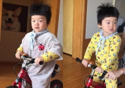 [스낵뉴스] 강원래 아들 '아빠 붕어빵'…자전거 타는 모습 '개구진 장군감'
