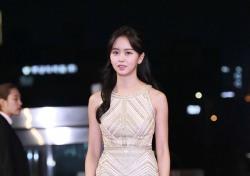 [V포토] 김소현, 멀리서도 눈에 띄는 여신자태 (2016 KBS 연기대상)