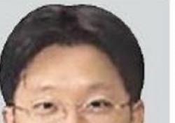 """강부영 판사 어깨에 짊, 서향희 변호사와 사적 인연…여론 """"국민이 보고 있다"""""""