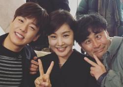 [스낵뉴스] 박지영, 이현우 최민수와 '그녀는 거짓말을 너무 사랑해' 인증샷