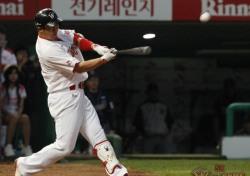 [프로야구] '홈런의 팀' SK, 4개 아치로 삼성에 역전승