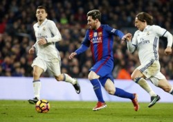 [축구이슈] 이적시장 실패와 흔들리는 팜 시스템, 바르셀로나에도 암흑기가 올까?