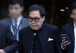 [현장;뷰] 조영남, 진중권 증언으로 무혐의 받을까(종합)