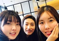 양효진, 허리 부상으로 쓰러져…재조명 받는 김연경의 '말'