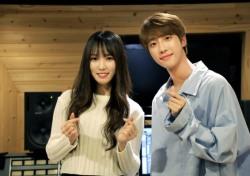 여자친구 유주X아이즈 지후, 듀엣곡 '하트시그널' 녹음실 공개