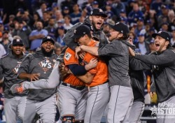 [MLB 월드시리즈] '55년 恨' 휴스턴, 창단 후 첫 WS 우승!