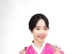 트로트퀸 정해진, 단아한 청순미 '뿜뿜'…한복 화보 공개