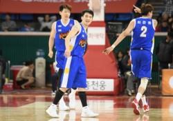 [프로농구] '마지막 S더비' SK, 삼성 잡고 모비스와 공동3위