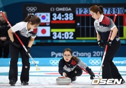 [평창] 女 컬링대표팀, 일본 꺾고 은메달 확보
