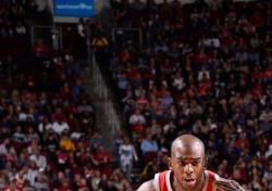 [NBA] 휴스턴, 오클라호마시티 꺾고 16연승...'50승' 선착