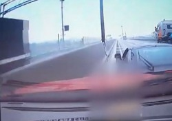투스카니에서 밸로스터로, 참사 막아낸 고의 교통사고의 결과