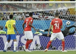 브라질 스위스 , 예측할 수 없는 E조 순위싸움...모두가 놀란 결과