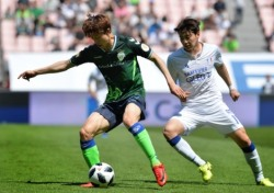 [K리그1] '월드컵 콤비' 활약 전북, 현대가더비 2-0 승