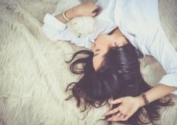 [슬리포노믹스] ①'잠'을 파는 사람들, 사는 사람들