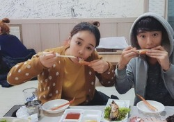 베니 안용준 '쌍둥이' 같은 한 쌍, 7년 애정 온라인에 고스란히