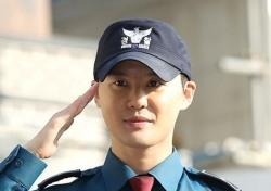 '21개월 군복무 끝' 김준수, 팬들과 직접 인사 나눴다