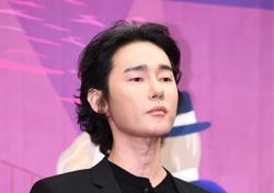 [포토;뷰] 허지웅 깡 마른 얼굴