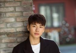 """[인터;뷰] ② '붉은 달 푸른 해' 이이경 """"태도부터 다른 김선아·차학연은 천재"""""""