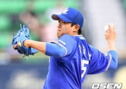 삼성 양창섭, '팔꿈치 통증'으로 조기 귀국