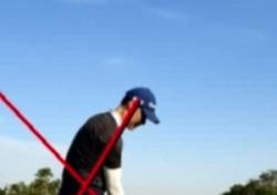 [최완욱의 골프주치의] (20) 장타를 위한 '왼 무릎 펴기' - 지면 반력