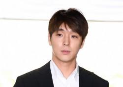 """'집단 성폭행 혐의' 최종훈, 결국 구속…法 """"증거 인멸 염려"""""""